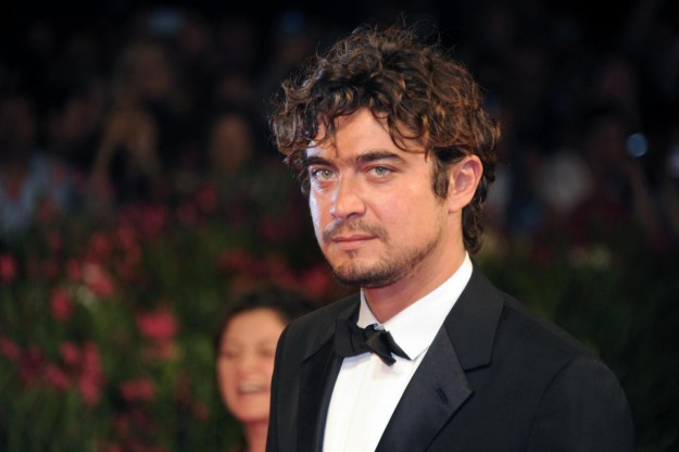first-floor-to-richard-scamarcio