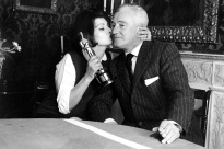 Sophia Loren with De Sica and her Oscar for Two Women.